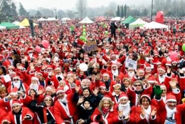 Navidad: La invasión de los Papá Noel en Turín