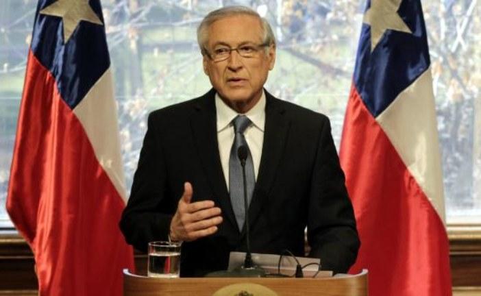 """El canciller chileno advierte a Bolivia que quien ingresa a Chile ilegalmente """"se va preso"""""""