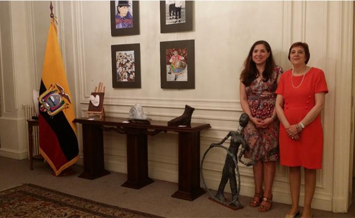 """En Francia se inaugura exposición """"Ilusiones"""" de la escultora ecuatoriana Lorena Mejía"""