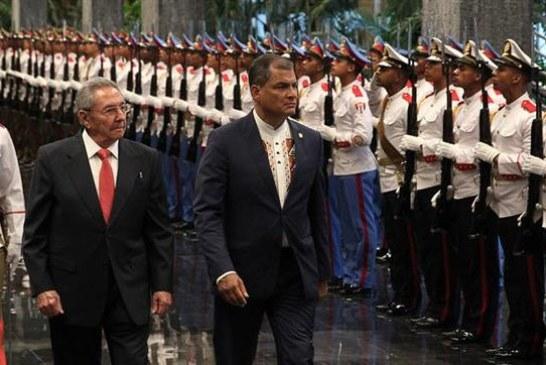 El presidente Correa regresa a Ecuador tras recibir reconocimientos en Cuba