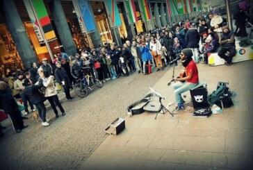 L'artista Edwin Bischeri chiude il 2014 con 177 spettacoli di strada