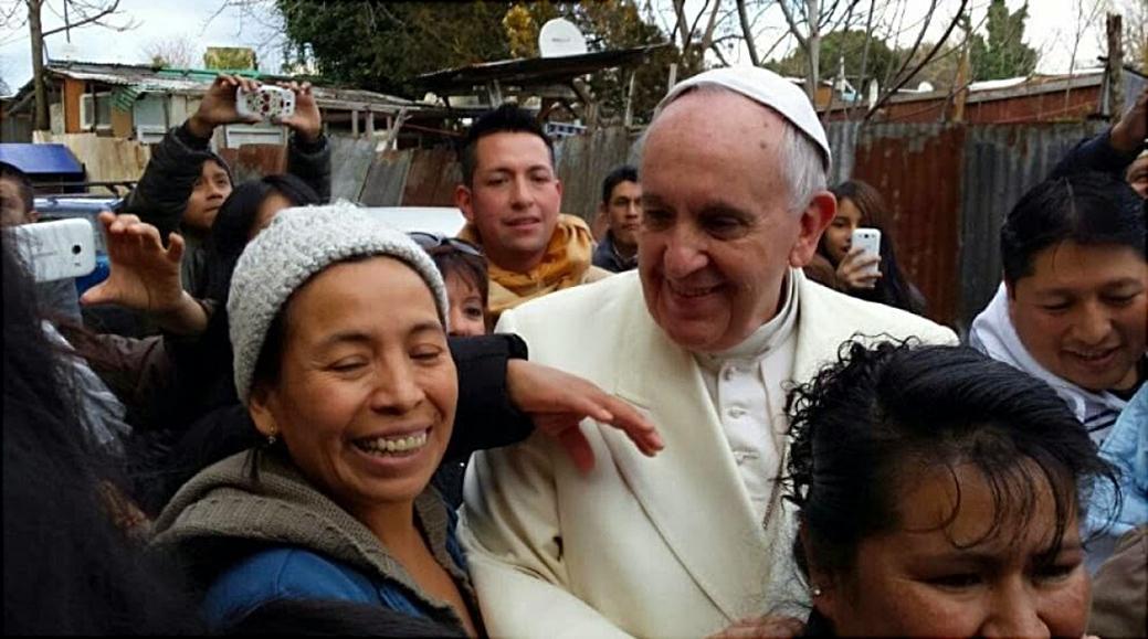 Roma: Papa Francesco Visita a sorpresa campo nomadi