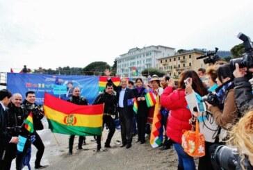 Mar para Bolivia: Desde las costas de Italia latente el civismo de los bolivianos