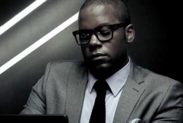 Coreòn Dù: L'artista più eclettico della scena artistica africana svela all'Italia il suo talento