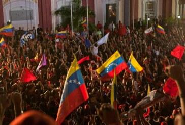 Día histórico en Venezuela: la oposición derrota al chavismo