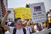 FOTOS | Cientos de Colombianos protestan contra Santos