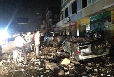 Al menos 77 muertos y 588 heridos por el terremoto en Ecuador
