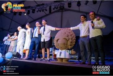La bandera Argentina flameó por sus 200 años de Independencia en el festival de Assago