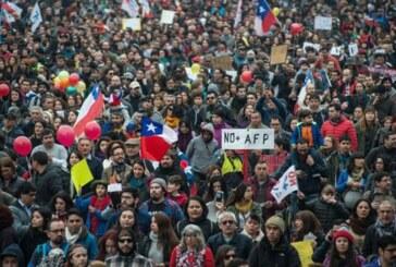 Cientos de miles exigen en Chile el término del Sistema Privado de Pensiones