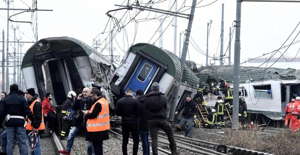 Al menos tres muertos en un accidente de tren en Milán
