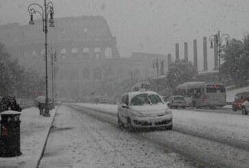 Fuertes nevadas 'paralizan' la mayor parte de Italia