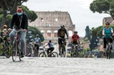 Italia abre todo: desde las peluquerías hasta el Vaticano