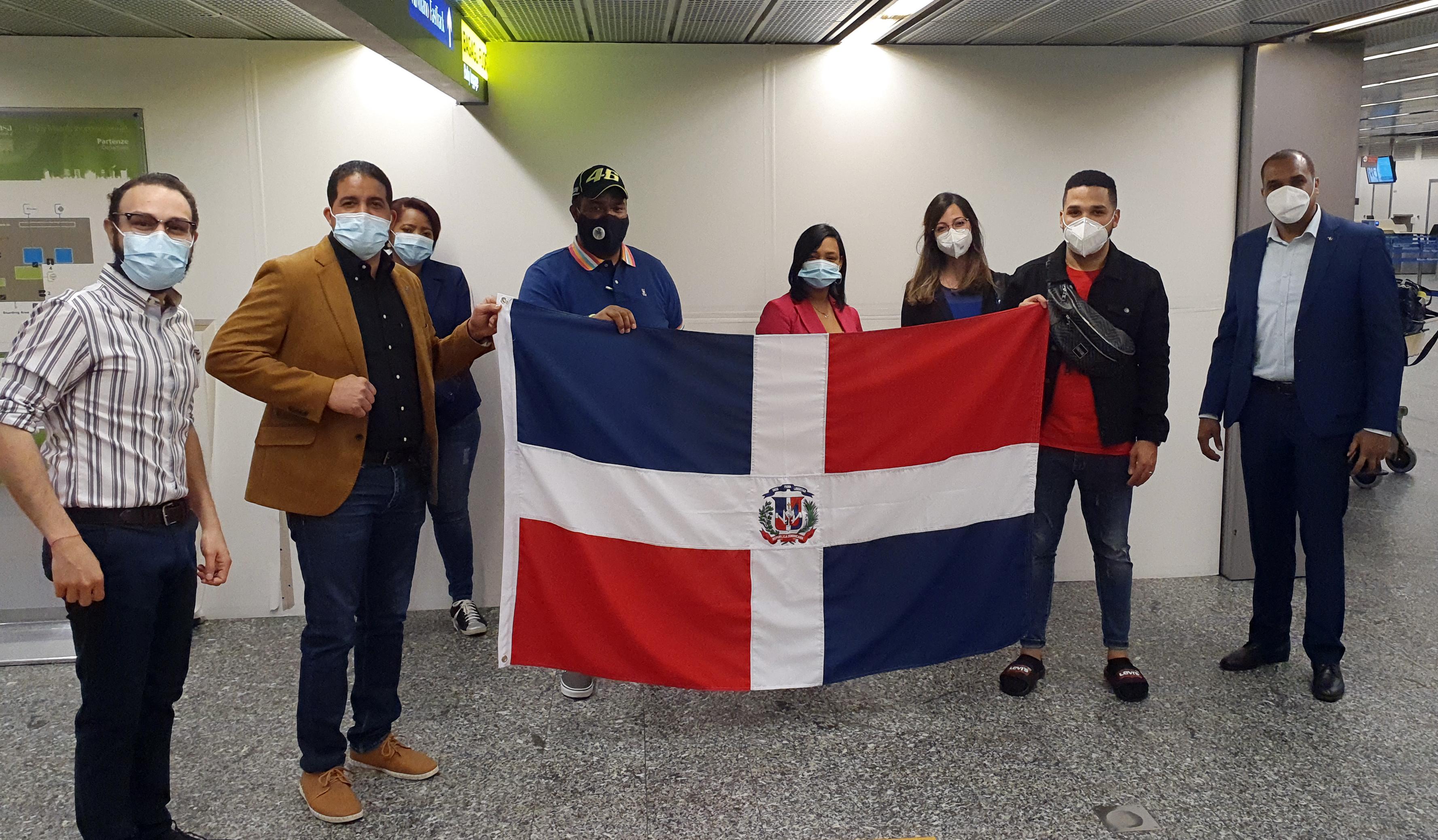 Parte con éxito el vuelo de repatriación de dominicanos desde Italia