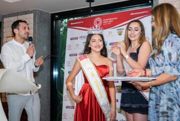 Francesca es la Reina del Bicentenario del Perù en Milán