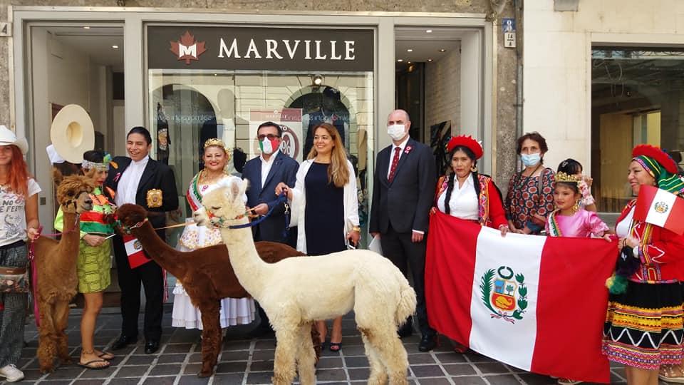 Peruanos en Monza y Brianza celebran el Bicentenario de la Independencia
