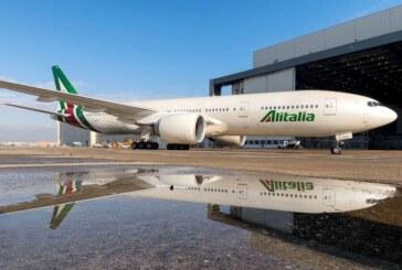 Adiós a Alitalia: tras 74 años la aerolínea realiza su último vuelo
